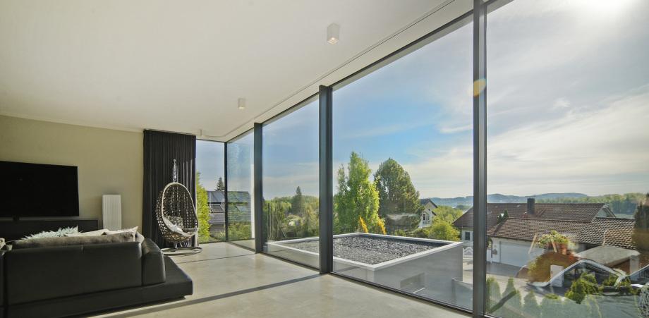 Blick aus einem Wohnzimmer